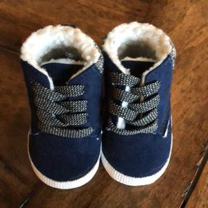 Baby gap Sherpa lined infant booties